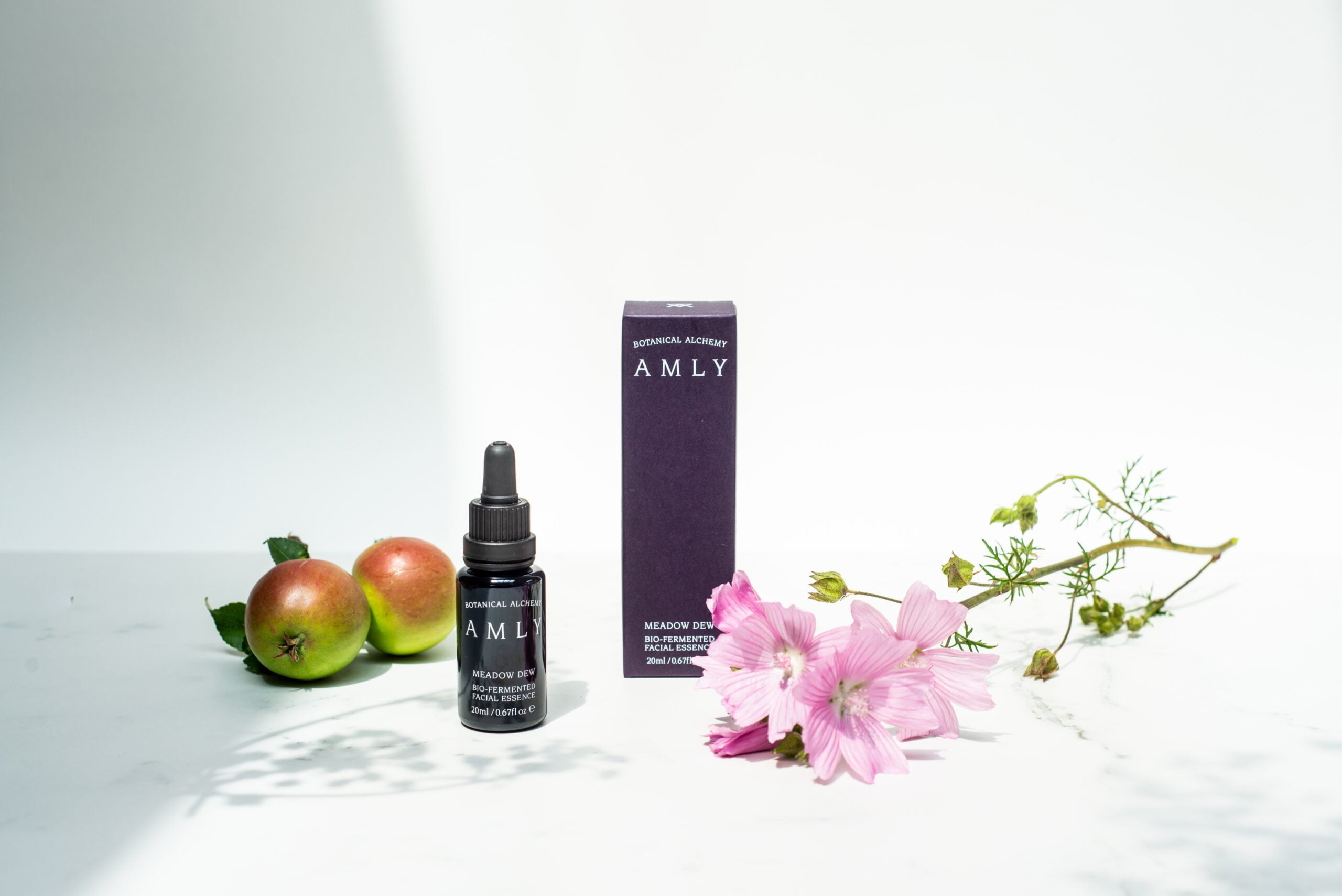 AMLY Autumn shot with meadow dew facial essence, apples and meadow dew